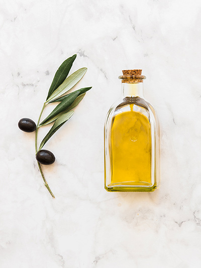 Consuming Half a Tablespoon of Olive Oil Per Day Improves Heart Health, Study Suggests